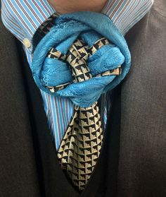 I'm sure the picture says enough on its own, but this is a gigantic tie knot.