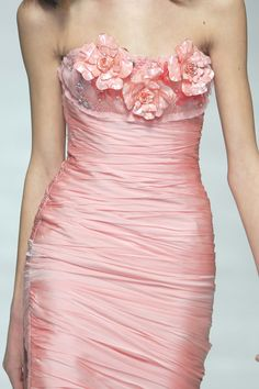 Blumarine stunning strapless ...OO, wow, that's gorgeous. I can imagine someone could look rather striking in that dress. :)