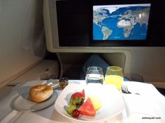 Breakfast on Singapore Airlines Business Class (by @JohnnyJet)