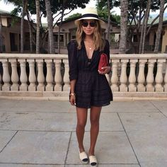 12 Street Style Looks With Espadrilles Holiday Outfits, Spring Outfits, Trendy Outfits, Cute Outfits, Chanel Espadrilles Outfit, Chanel Outfit, Street Style Looks, Spring Summer Fashion, Ideias Fashion