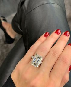 100 The most beautiful engagement rings you'll want to own Most Beautiful Engagement Rings, Classic Engagement Rings, Platinum Engagement Rings, Perfect Engagement Ring, Engagement Wedding Ring Sets, Diamond Wedding Bands, Wedding Rings, Stephanie Gottlieb, Morganite Ring