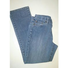 """Calvin Klein jeans EUC no signs of wear. Skinny jeans in a lighter blue. Inseam 28""""   72% cotton, 26% polyester, 2% elastane Calvin Klein Jeans Skinny"""