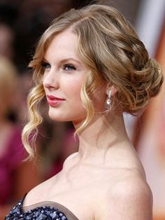 Medium Shoulder Length Curly Hair up do | ... Photo Gallery About Taylor Swifts | Updos for medium length hair