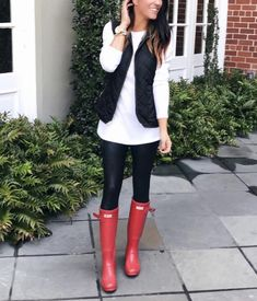 Wowza, this post took some time! It's been a HUGE request though so I'm so happy to have this done! Today I'm sharing 40 ways to style leggings. Yep, that's… Botas Y Leggings, Shoes For Leggings, Black Leggings Outfit, How To Wear Leggings, Sweaters And Leggings, Leggings Fashion, Tribal Leggings, Cheap Leggings, Winter Leggings