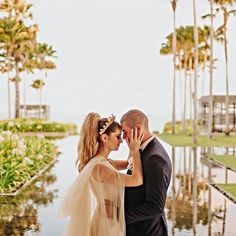 #GLbride Stephanie Susak wearing the Elise cape and looking chic as ever! Cool #veil substitute and that #tiara!