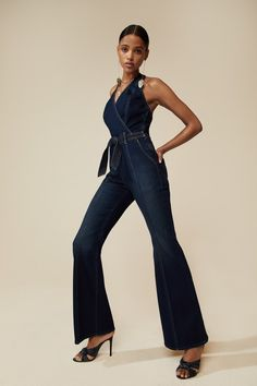 Mother Pre-Fall 2020 Fashion Show Collection: See the complete Mother Pre-Fall 2020 collection. Look 3 Vogue Fashion, Fashion 2020, High Fashion, Womens Fashion, Vogue Paris, Denim Ideas, Love Jeans, Fall Fashion Trends, Denim Outfit