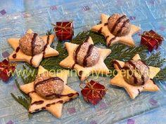 Vánoční hvězdičky – Maminčiny recepty Czech Recipes, Sugar, Cookies, Desserts, Advent, Euro, Anna, Food, Holidays