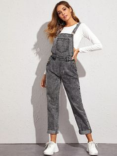 Criss-cross Back Dark Wash Denim Overalls Boho Outfits, Vintage Outfits, Cute Outfits, Fashion Outfits, Style Fashion, Dungaree Dress, Jumpsuit Dress, Denim Overalls Outfit, Shorts