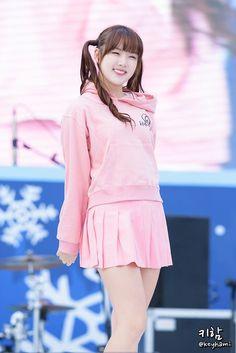 273F984256647DCB2619A0 (900×1348) Kpop Girl Groups, Kpop Girls, Korean Beauty, Asian Beauty, Miu, Hot Japanese Girls, G Friend, Japan Girl, Kpop Outfits