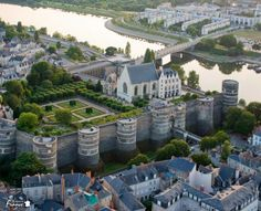 Angers' Castle (Chateau des Ducs d'Anjou) is a beautiful fortress built in the 9th Century by the Counts of Anjou. Don't miss the opportunity to visit this medieval castle and its wonderful gardens.