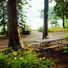 Camping at Idaho lakes in the summer