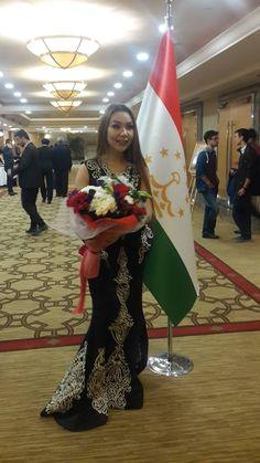 Tacikistanlı Genç Sanatçı Yıldız Tahmina NİYOZOVA, Tacikistan Cumhuriyeti'nin 25. Bağımsızlık Yıldönümü için düzenlenen Resepsiyonda.