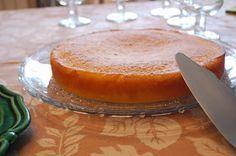 Gâteau moelleux à l'orange               Un délicieux gâteau tout moelleux plein de vitamines, imbibé d'un sirop à l'orange         ...