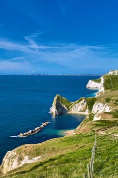Jurassic Coast, Dorset & Devon coast, England - I've been here Places Around The World, Oh The Places You'll Go, Great Places, Places To Travel, Beautiful Places, Places To Visit, Around The Worlds, Devon Coast, Dorset Coast