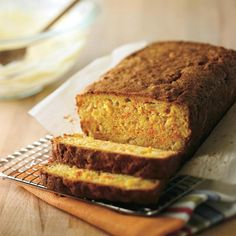 Recipe of carrot bread and pineapple boost Desserts Pauvres En Calories, Just Desserts, Dessert Recipes, Muffins, Fall Dishes, Yummy Food, Tasty, Bread Cake, Sweet Bread