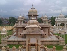 Gaitore Jaipur:-   this place also know 'Gaye ka Thor' which means 'resting place of the departed souls, Time Schedule;  10:00 AM to 5:30 PM every day except Sundays