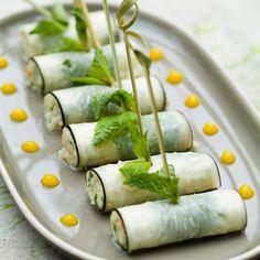Black radish and shrimp rolls for aperitif Recipes Party Food Dishes, Tapas, Cooking Recipes, Healthy Recipes, Healthy Food, Food Decoration, Love Eat, Pasta, Food Design
