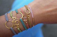 Creazione accessori - fai da te da indossare.  http://www.donnaclick.it/tutorial/2.htm
