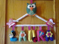 Nombre personalizado de fieltro, ideal para decorar un espacio infantil. visítanos en Facebook: Mi rincón de fieltro-Fieltrolandia, gracias !!!