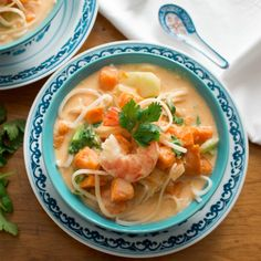 Tasty Thai Curry Bowls are filled with rice noodles in a delicious broth of creamy red curry aromatic coconut milk, vegetables, sweet pumpkin and shrimp. Herbs For Pork, Curry Bowl, Tasty Thai, Thai Curry, Frozen Shrimp, Red Curry Paste, Frozen Vegetables, Rice Noodles, Fresh Lime Juice