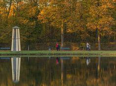 Massaia coi blue jeans pulita e sudiciaSignora America - Umberto Tozzi.   Reflection day.   Nymphenburger Schloss Park München.