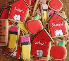 Back to School Cookies via #TheCookieCutterCompany www.cookiecuttercompany.com #backtoschool #cookies
