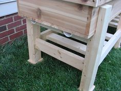 Waist High Planter Box: 6 Steps (with Pictures) Garden Box Plans, Raised Garden Bed Plans, Building A Raised Garden, Raised Bed, Garden Planter Boxes, Diy Planters, Planter Beds, Elevated Garden Beds, Brick Patterns Patio