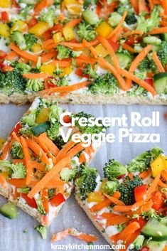 Crescent Roll Veggie Pizza a fresh way to eat veggies. It's made with refrigerator crescent roll dough, homemade dill dip and lots of fresh vegetables. I'd say it's a classic! Cresent Roll Veggie Pizza, Cold Veggie Pizza, Veg Pizza, Veggie Keto, Appetizers For Party, Appetizer Recipes, Dinner Recipes, Bread Appetizers, Halloween Appetizers