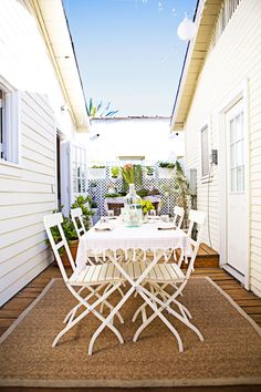 House+Tour:+A+Smartly+Designed+362-Square-Foot+Bungalow - GoodHousekeeping.com