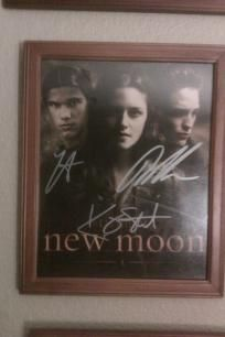 Twilight Saga New Moon 8x10 photo signed x3. *Free Shipping* http:/yardsellr.com/yardsale/Erik-Marx-416944