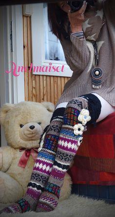 Ainokaiset Sweater Scarf, Scarf Hat, Crochet Slippers, Knit Crochet, Comfy Socks, Thigh High Socks, Happy Socks, Knitting Socks, Fall Winter Outfits