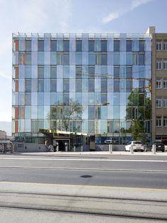 Avenue de France Administrative Building / Group8