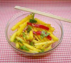 Exotischer Mangosalat - Auch im Herbst können exotische Gerichte ein paar Sonnenstrahlen in die Küche bringen.