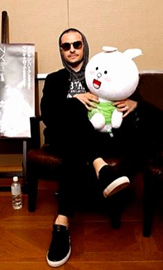 ChesterBe With His New Cuddly Friend - No Need To Get Jealous, Mike!