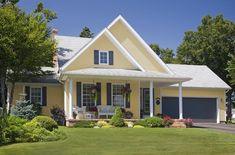 41 Trendy Exterior House Siding Colors Home Design Siding Colors For Houses, Exterior Siding Colors, Exterior House Siding, Design Exterior, Exterior Paint Colors For House, Paint Colors For Home, Paint Colours, Yellow House Exterior, Cottage Exterior