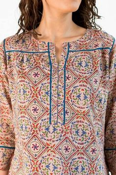 Neck Designs to Try with Plain Kurtis - Indian Fashion Ideas Neck Designs For Suits, Sleeves Designs For Dresses, Neckline Designs, Dress Neck Designs, Churidar Designs, Kurta Designs Women, Designer Kurtis, Kurtha Designs, Simple Kurti Designs