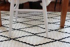 Pirjon kädenjälkiä: crocheted Beni Ouarain inspired rug.