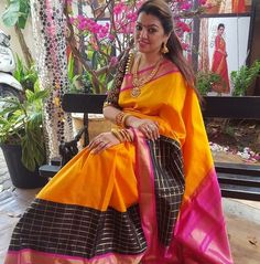 South Actress Sneha sister Sangeeta wearing mango yellow kanjivaram saree with black checks and pink border paired with black elbow sleeves blouse. Indian Beauty Saree, Indian Sarees, Indian Attire, Indian Wear, Beautiful Saree, Beautiful Outfits, Indian Dresses, Indian Outfits, Sari Design