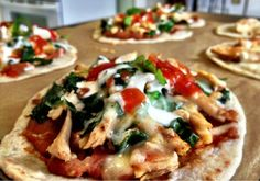 To don't eat mexican much, but this chicken tostada looks deeelish! #mexican #food