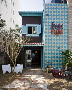 Sofá Café | São Paulo. Adorable shop front!