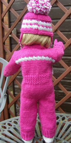Ravelry: 17 Cosy Sleepsuit or Snuggly Snow Suit Set by Jacqueline Gibb