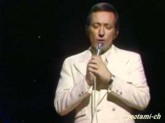 "Andy Williams, the smooth crooner whose string of '50s and '60s hits included ""Moon River,"" ""Days of Wine and Roses"" and ""Dear Heart,"" died Tuesday night of bladder cancer."