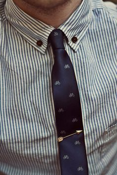 Bike tie, arrow tie clip! So classy, if I saw a guy wearing this I would go out of my way to compliment him.