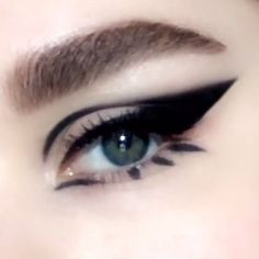 Video Tutorial: Smokey bold winged mod cat-eye makeup look created using PermaGel Ultra Glide Eye Pencil in 'EXTR. - Makeup Tips Goth Makeup, Skin Makeup, Makeup Art, Beauty Makeup, Makeup Hacks, Makeup Ideas, Makeup Eyeshadow, Eye Makeup Tutorials, Makeup Tutorial Videos