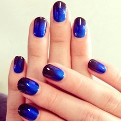 Cool blue ombre #pmtslouisville #paulmitchellschools #nails #nail #nailart #love #beauty #inspiration #ideas #black #blue http://nailsbymh.tumblr.com/image/77384399769?crlt.pid=camp.SMEWW28W3gQo