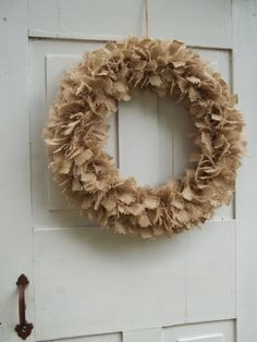 burlap wreath - could easily make interchangeable accents for different seasons/holidays