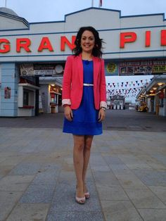 Itv Weather Girl, Hottest Weather Girls, Good Morning Britain, Wrap Dresses, Tv Presenters, Famous People, Celebs, Shirt Dress, Summer Dresses