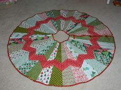 Rose Room Quilts: The Finished Christmas Tree Skirt (Almost)