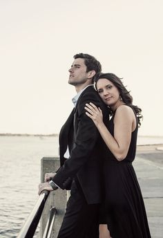 Dramatic seaside engagement shoot in all black attire // Jeanne Mitchum Photography