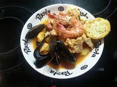 Bouillabaisse facile - Recette de cuisine Marmiton : une recette Bouillabaisse, Fish And Seafood, Seafood Recipes, Waffles, French Toast, Pork, Menu, Yummy Food, Pasta